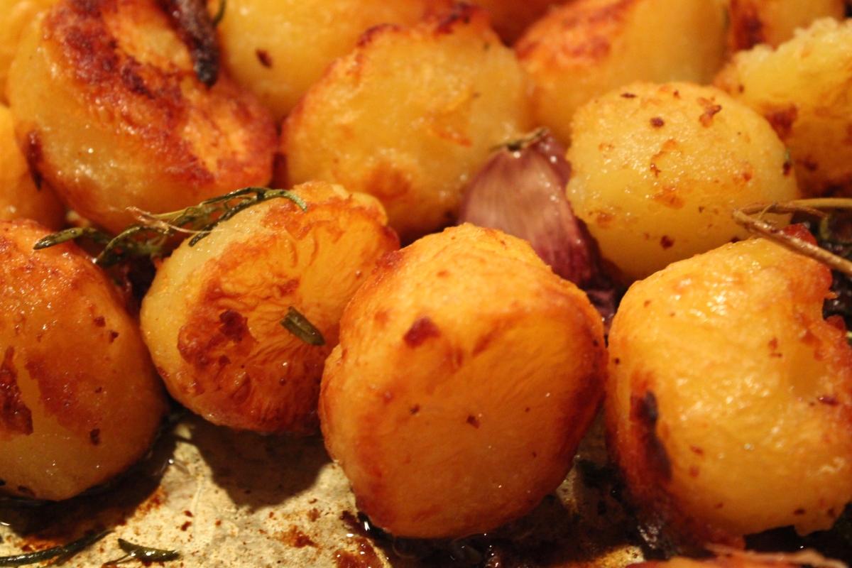 Den perfekta, frasiga, helstekta potatisen