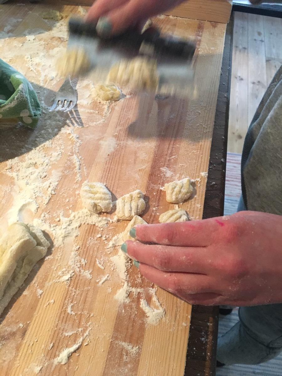 Gnocchi med brynt citron- och salviasmör